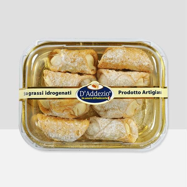 Cannoncini Siciliani filled with White Chocolate Cream